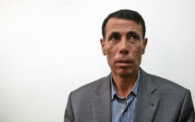 Hatem Abdul Qader, un responsable du Fatah, le 4 octobre 2004 (Crédit : Matanya Tausig/Flash90)