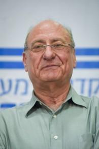 Le major général (à la retraite) Amnon Reshef lors d'une conférence de presse le 11 mars 2015, une semaine avant les élections de mardi (Crédit : Ben Kelmer/ Flash 90)