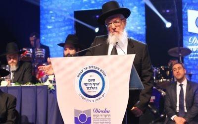 Le Rabbin Joseph Haim Sitruk à Paris, lors du Siyoum de Dirshoum - 22 mars 2015 (Crédit : autorisation)