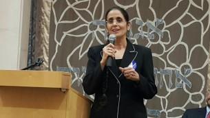 Anat Berko lors d'un débat préélectoral dans la synagogue Ohel Ari à Raanana, le 9 mars 2015 (Autorisation)
