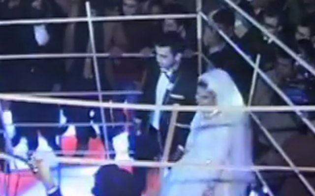 Un couple égyptien se marie sur le thème de l'État islamique (Capture d'écran Facebook)