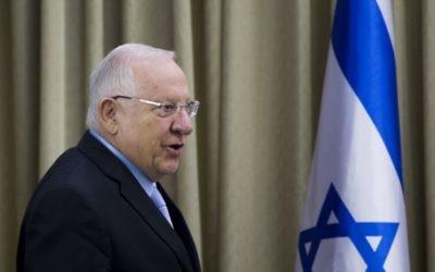 Le président Reuven Rivlin  à la résidence présidentielle, à  Jérusalem, le 22 mars 2015. (Crédit : Yonatan Sindel/Flash90)