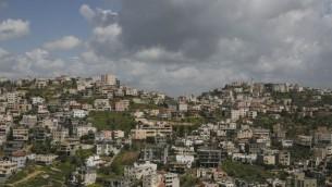 Vue de la plus grande ville arabe d'Israël Umm al-Fahm (Crédit photo : Matanya Tausig/Flash90)