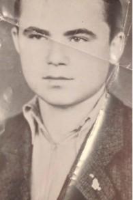 Michael Blain (Elimelech Blobstein) un adolescent en Hongrie pendant l'Holocauste (Crédit : Autorisation)