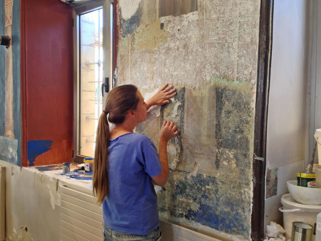 Restauration des peintures de la Synagogue Ades à Jérusalem  (Crédit : Ram Shoaf, autorisation de l'AAI)