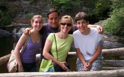 La famille Greenberg en août 2010 (Crédit : Facebook / Katie Greenberg)