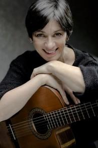 Des deux côtés de sa famille, la chanteuse yiddish Bente Kahan est une enfant de l'Holocauste (Crédit : Autorisation)