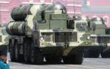 Des missiles S-300 pendant la parade de la Victoire sur la place rouge à Moscou, le 9 mai 2009. (Crédit : Kremlin.ru/CC BY 3.0  via Wikimedia Commons)