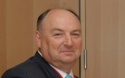 Moshe Kantor, président du Congrès juif européen, en août 2007. (Crédit : Orel Cohen/Flash90)