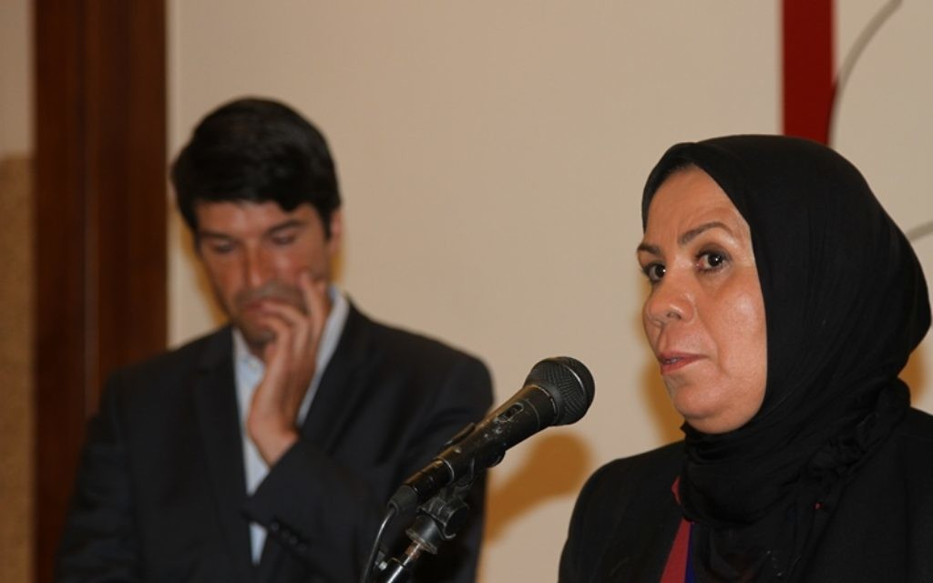 Patrick Maisonnave et Latifa Ibn Ziaten - 27 avril 2015 (Crédit : Ambassade française en Israël)