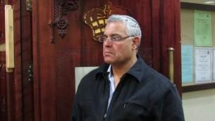 L'ancien maire de Beït Shean Jacky Levy (Crédit : Wikimedia Commons/Heichal Hakodesh)