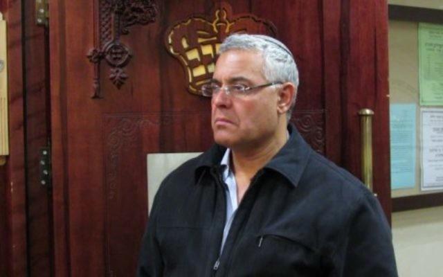 Le nouveau maire de Beït Shean Jacky Levy (Crédit : Wikimedia Commons/Heichal Hakodesh)