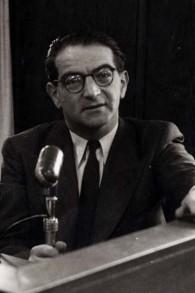 Rudolf Kastner à la radio israélienne dans les années 50 (crédit : DR)