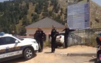 Le cordon de police près de la scène du crime à Nazareth, après la découverte du corps d'une touriste polonaise de 20 ans, le 19 avril 2015. Selon la police, elle aurait été violée et assassinée.  (Capture écran : Channel 2 / la Deuxième chaîne)