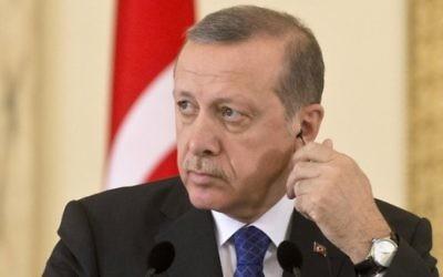 Le président turc Recep Tayyip Erdogan en avril 2015 (Crédit :  AFP PHOTO / DANIEL MIHAILESCU)