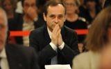 Le maire de Béziers,  Robert Ménard, soutenu par le Front national, menant son premier conseil municipal, le 4 avril 2014. (Crédit : AFP/Sylvain Thomas)