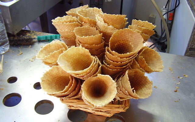 Cornets de glace (Crédit : Kamel15/Wikimedia)