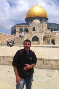 Amer Sweity lors d'une visite au mont du Temple à Jérusalem. (Crédit : Autorisation)