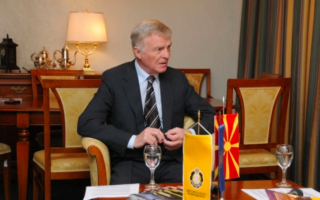 Max Mosley (Crédit : F1almanah.mk/Wikimedia commons)