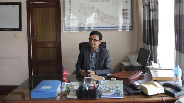 Le directeur général Département du Tourisme Tulasi Prasad Guatam (Crédit : Melanie Lidman / Times of Israël)