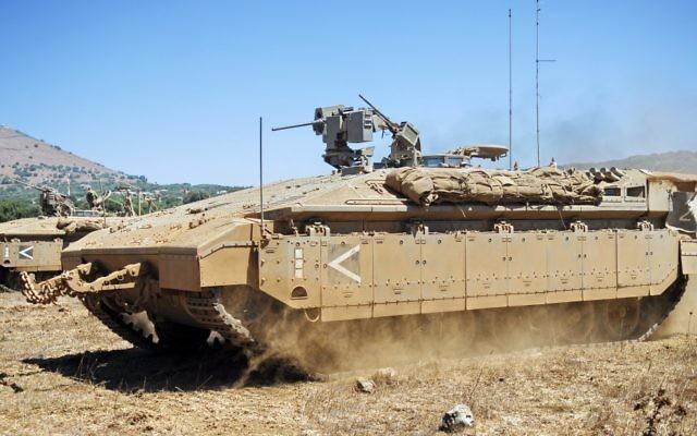 Le Namer, un véhicule de transport de troupes (Crédit : CC BY-SA Abir Sultan, Flickr)