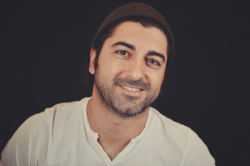 Le cinéaste irano-américain Abazar Noorizad (Crédit : Autorisation d'Abazar Noorizad)
