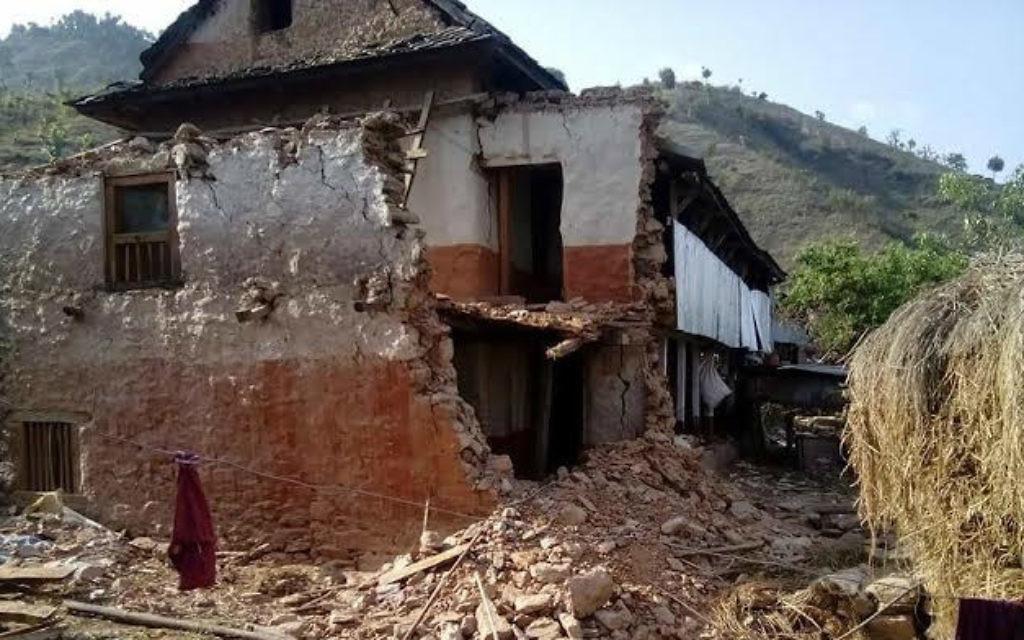 Une maison au Népal, après le tremblement de terre  (Crédit : Tevel b'Tzedek)