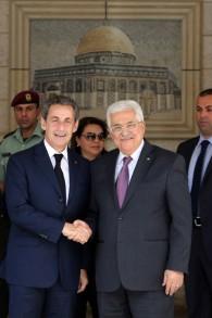 Nicolas Sarkozy et Mahmoud Abbas à Ramallah - 8 juin 2015 (Crédit : AFP)