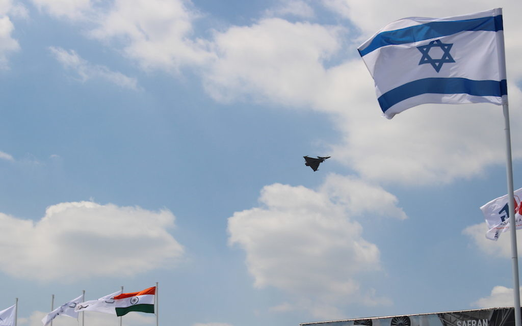 Démonstration du Rafale (Dassault Aviation) au Salon du Bourget. (Crédit : Times of Israël)