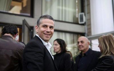 Le député de HaBayit HaYehudi, Yinon Magal, à la résidence du président à Jérusalem le 22 mars 2015 (Crédit : Hadas Parush / Flash90)