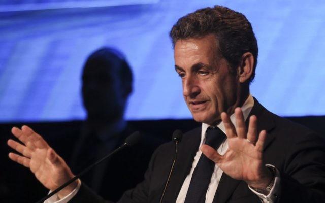 Nicolas Sarkozy pendant la conférence d'Herzylia, le 8 juin 2015. (Crédit : Flash 90)