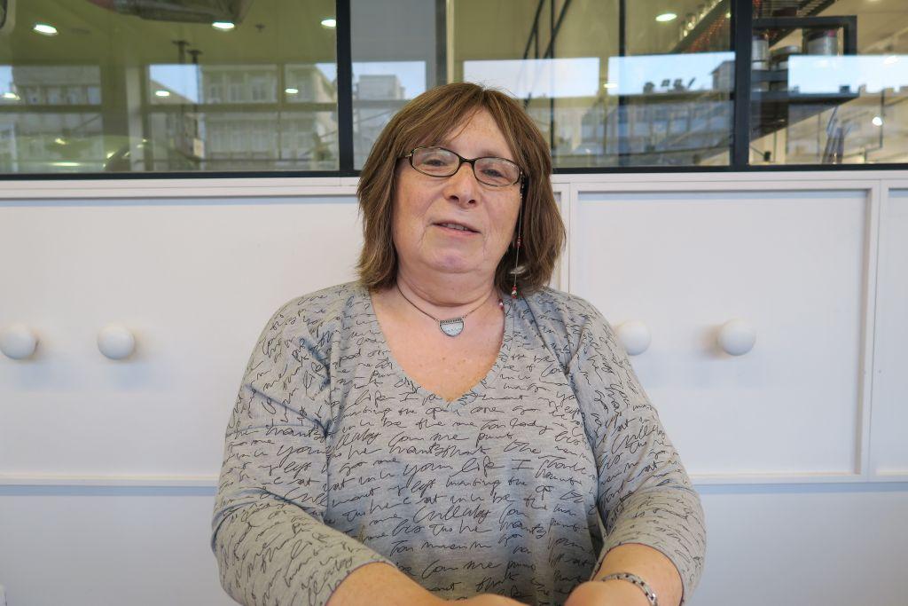 Nora Grinberg, une femme transgenre et  travailleuse social, travaille souvent avec adolescents (Crédit : Autorisation Nora Grinberg)