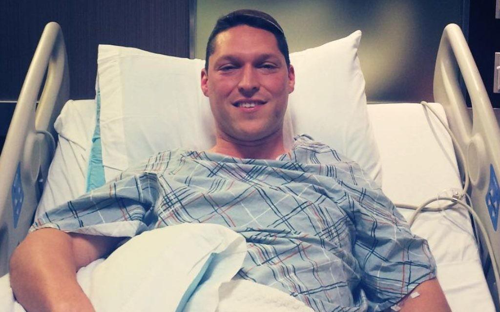 Rav Shmuly Yanklowitz après son opération pour son don de rein, le mardi 16 juin 2015 (Crédit : Autorisation)