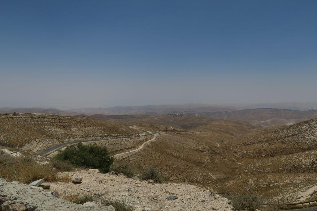 La vue de Neve Erez (Crédit : Luc Tress / Times of Israël)