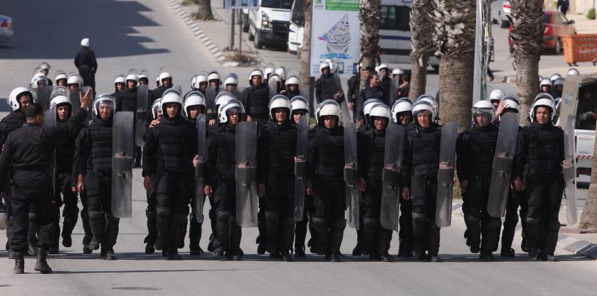 La police anti-émeute palestinienne déployée dans la ville de Ramallah en Cisjordanie en 2011 (Crédit: Issam Rimawi / Flash90)