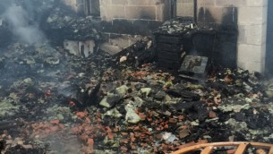 Lendemain d'un incendie criminel présumé à l'Eglise de la Multiplication au bord du lac de Tibériade, le jeudi 18 juin 2015 (Photo: Services des pompiers et de sauvetage)