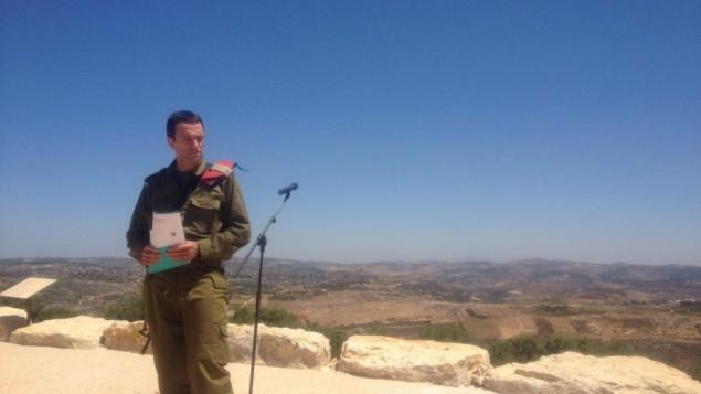 Le brigadier général Herzi Halevi lors d'un discours jeudi (Crédit : Mitch Ginsburg / Times of Israël)