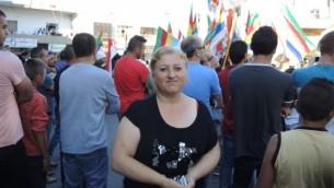 Rima Romía est l'une des premières épouses à être venue de Syrie en Israël en 1986. Depuis lors, elle n'est retournée qu'une seule fois en Syrie pour visiter sa famille. Mais si la frontière était ouverte, elle  y retournerait  immédiatement (Melanie Lidman / Times of Israel)