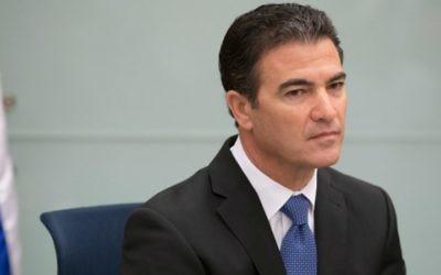 Yossi Cohen devant la commission des Affaires étrangères et de la Défense de la Knesset, le 2 septembre 2014. (Crédit : Noam Revkin Fenton/Flash90)