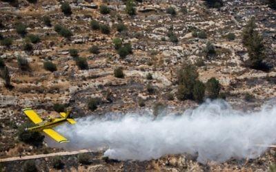 Une vue aérienne de l'incendie du 5 juillet  (Crédit : Yonatan Sindel/Flash90)