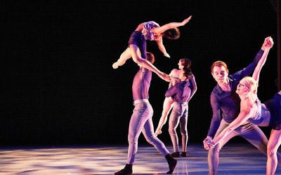 """De """"Evermore"""" une pièce chorégraphiée par Dwight Rhoden, interprétée par Peridance (Crédit : Jaqlin Medlock)"""