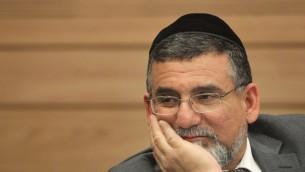 Le député shas Yitzhak Vaknin (Crédit : Miriam Alster/Flash90)