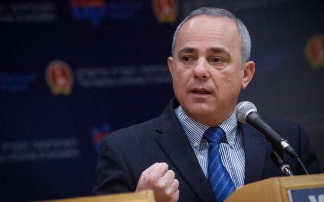 Yuval Steinitz, ministre de l'Energie (Crédit : Miriam Alster/Flash90)