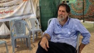 Rabbin Arik Ascherman à Susya, le 19 Juillet 2015 (Crédit : Elhanan Miller / Times of Israël)