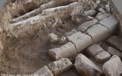 Les vestiges d'une rue romaine de Legio, un camp militaire datant des IIe et IIIe siècle de notre ère, à côté de Megiddo (Crédit : Autorisation)