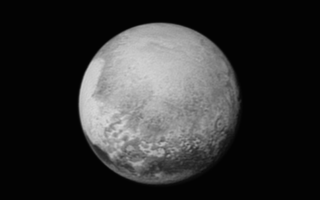 Une photo de Pluton prises par New Horizons, l'engin spatial de la NASA, le lundi 13 juillet 2015 (Crédit : Autorisation de la NASA /université Johns Hopkins Applied Physics Laboratory / Southwest Research Institute)