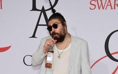 The Fat Jew aux Fashion Awards 2015 à New York. (Crédit : Dimitrios Kambouris/Getty Images)