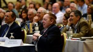 Sheldon Adelson pendant une réunion des dirigeants de la Coalition juive républicaine à Las Vegas, le 29 mars 2014. (Crédit : Ethan Miller / Getty Images / AFP)