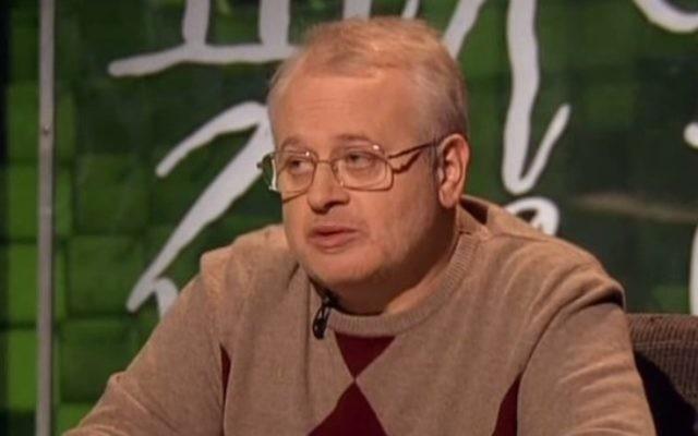 Sergei Ustinov, le directeur du Musée d'Histoire des Juifs en Russie et vice-président du Congrès juif de Russie (Crédit : Capture d'écran YouTube)