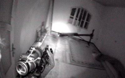 Le canon de l'arme d'un soldat des forces spéciales de Tsahal lors d'un raid en profondeur au Liban au cours de la seconde guerre du Liban (Crédit photo: IDF /Flash90)